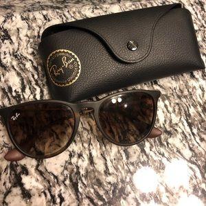 """Erika Classic"" Ray-Ban sunglasses"